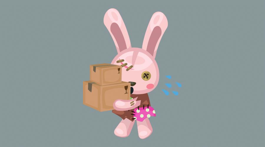 うさぎのぬいぐるみが、重そうな荷物を必死に運んでいる